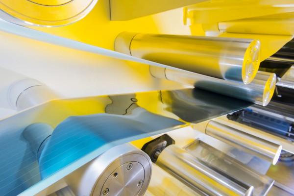 HELIATEK_solar film in the roll-to-roll line_300dpi