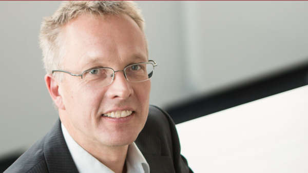 Dr. Frank Hensel – Principal / Prokurist