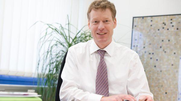 Dr. Bernhard Mohr