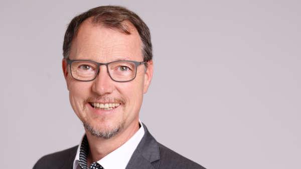 Dr. Michael Schelhaas