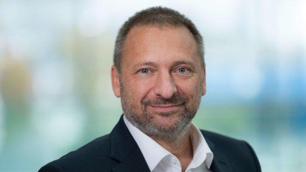 Dr. Thomas Kostka